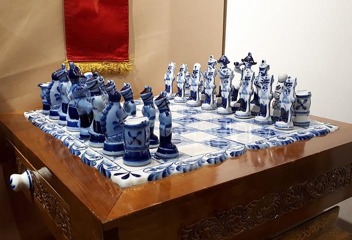 Ezt a sakk-készletet kapta Kádár János Mihail Gorbacsovtól ( a szerző felvétele)